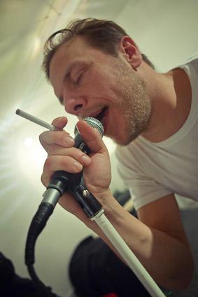 Singer Johan Olsen from Magtens Korridorer.